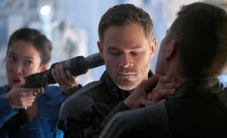 Breaking It Up - Killjoys Season 4 Episode 2