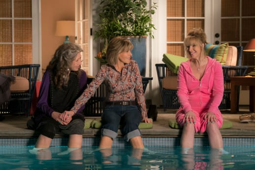 Is Three a Crowd? - Grace and Frankie
