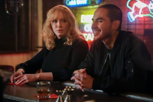 Chatting Over Drinks - Good Girls Season 4 Episode 4