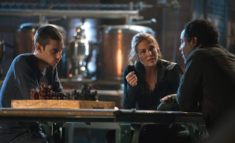 Abby Questions Jaha- The 100 Season 3 Episode 6