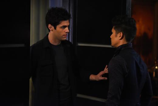Boyfriend Concerned - Shadowhunters Season 2 Episode 18