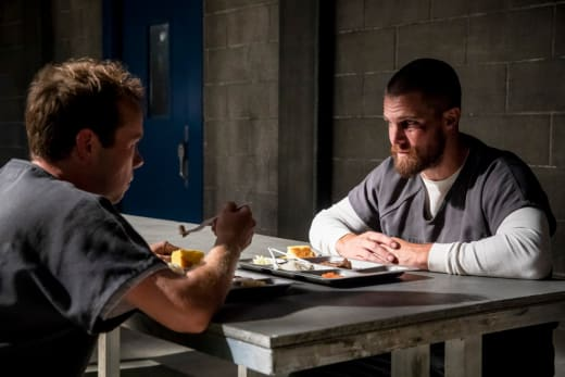 Friend or Foe? - Arrow Season 7 Episode 1