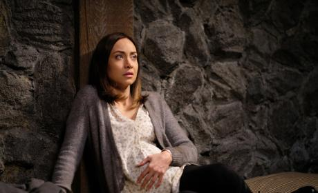 Kelly is in trouble - Supernatural Season 12 Episode 19