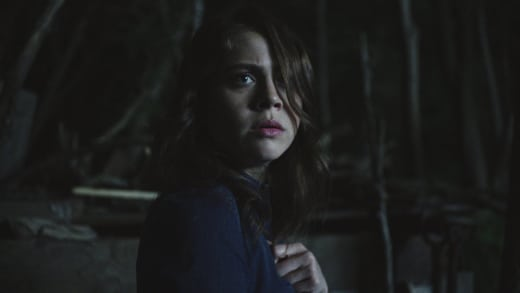 Over Her Shoulder - Channel Zero Season 3 Episode 1