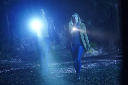 Flashing Light - Big Sky Season 1 Episode 12