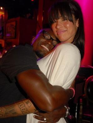 Taye Shows Some Love