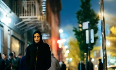 These Streets are Made for Walkin' - Mr. Robot Season 3 Episode 2