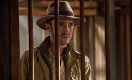 Tourist Trap - The Flash Season 3 Episode 13