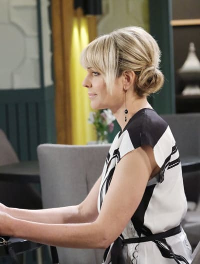 Nicole Contemplates Her Choices / Tall - Days of Our Lives