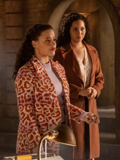 Maggie and Macy - Charmed (2018) Season 3 Episode 15 - Charmed (2018)