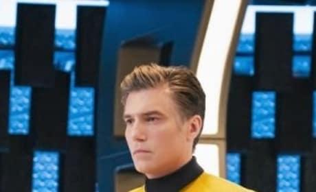 Pike Vertical - Star Trek: Discovery Season 2 Episode 1