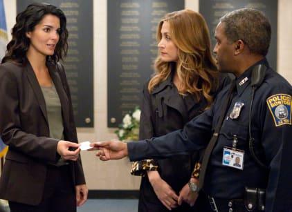 Watch Rizzoli & Isles Season 2 Episode 1 Online