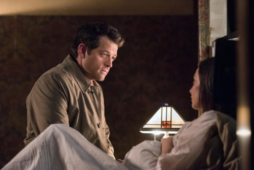 Castiel checks in on Kelly - Supernatural Season 12 Episode 23