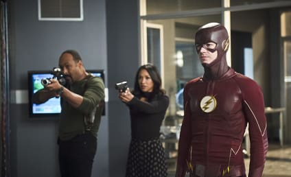 The Flash Photo Preview: Armed and Ready for Zoom!