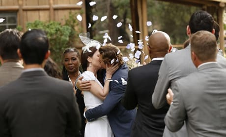 Flower Petals - The Mentalist Season 7 Episode 13