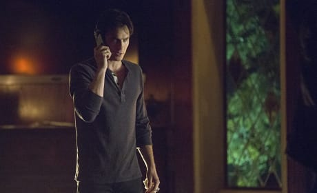 Who's On The Phone? - The Vampire Diaries Season 7 Episode 21