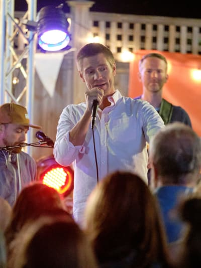 Brody Emcees in Sand Dollar Cove