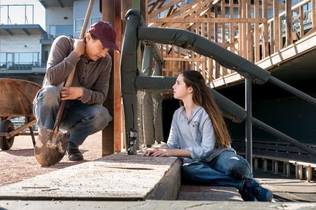 Man At Work - Fear the Walking Dead Season 4 Episode 2