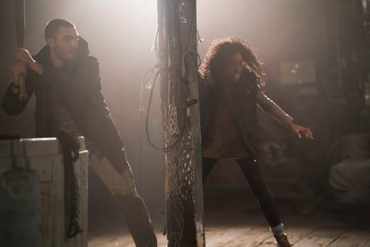 Ben and Donna Team Up - Siren Season 1 Episode 9