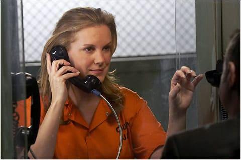 Elizabeth Perkins in Jail