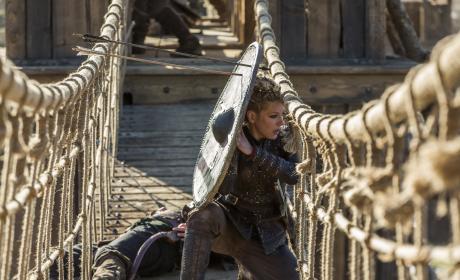 Lagertha Defends Herself - Vikings Season 4 Episode 19