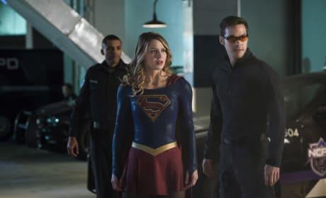 Mon-El the Superhero - Supergirl Season 2 Episode 10