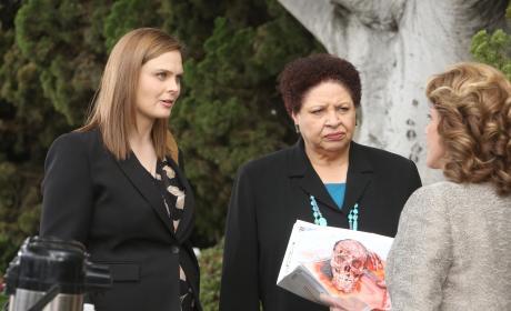 Brennan and Caroline Seek a Warrant - Bones