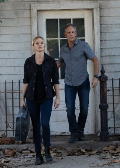Recovering Data - NCIS: New Orleans Season 5 Episode 10