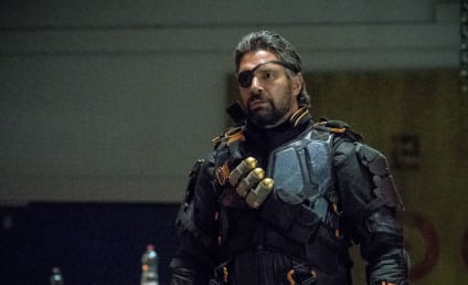 Arrow Preview Photos: Deathstroke Is Back!