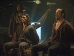 Captain Flint and Silver Caught - Black Sails Season 2 Episode 1