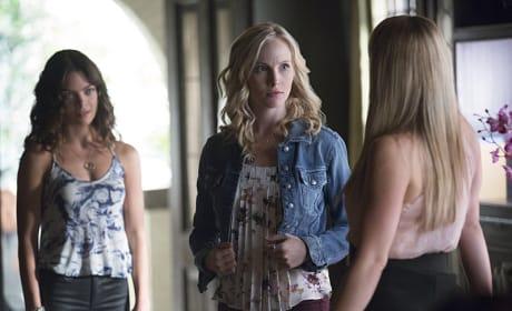 Surrounded! - The Vampire Diaries Season 7 Episode 1
