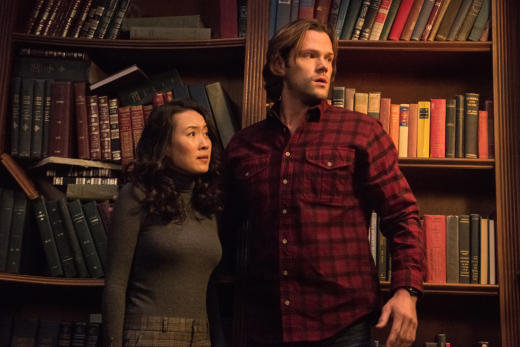 Sam is overwhelmed by a bunch of books - Supernatural Season 12 Episode 13