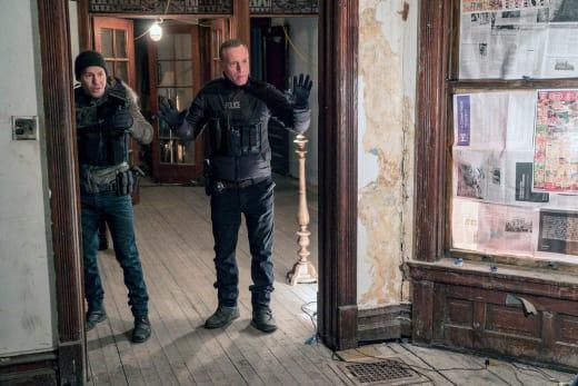 Don't Shoot  - Chicago PD Season 5 Episode 13