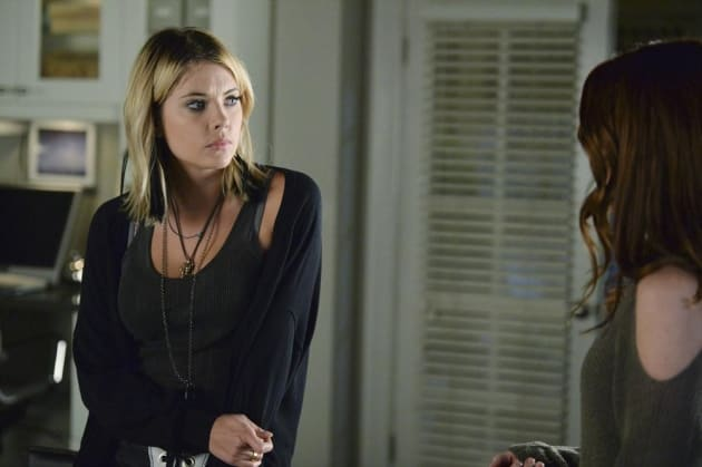 Hanna Gives Ashley the Look