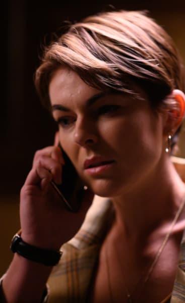 Jenny Gets A Call - Coroner Season 2 Episode 4