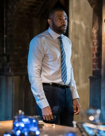 Resignation - Black Lightning Season 2 Episode 2
