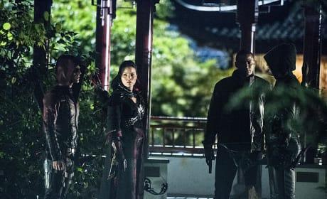 Planning an Attack - Arrow Season 3 Episode 4