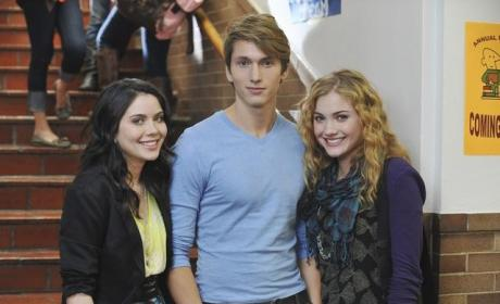 The Nine Lives of Chloe King Cast Pic