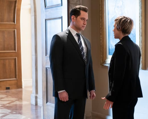 Bonnie & Asher Confer - How To Get Away With Murder Season 5 Episode 10