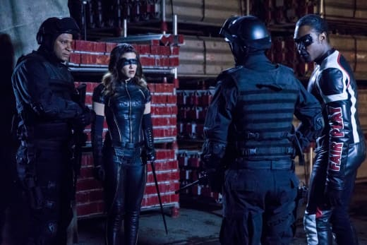 Diggle and NTA - Arrow Season 6 Episode 20