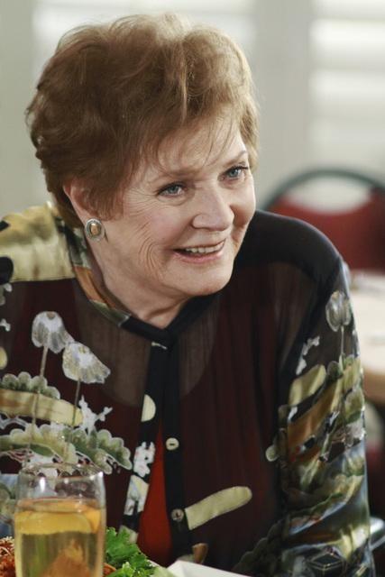 Lynette's Mom