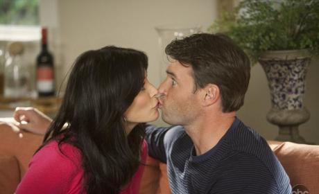 Jules and Jeff Kiss