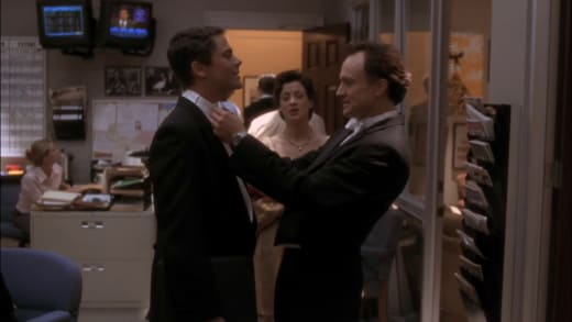 Looking Good! - The West Wing Season 1 Episode 7