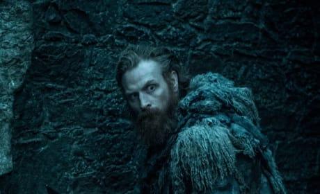 Tormund Searches - Game of Thrones Season 8 Episode 1