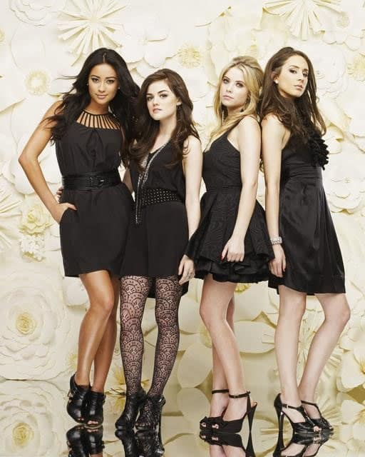 Pretty Little Liars Cast Photo
