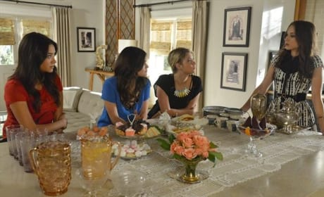 Pretty Little Liars Season 3 Finale Photo
