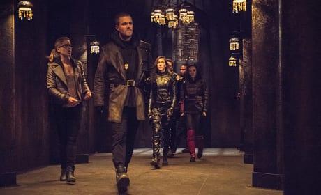 Follow Me - Arrow Season 3 Episode 22