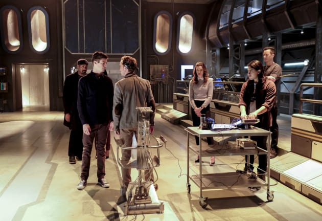 Lab tech tension - The Flash Season 3 Episode 15
