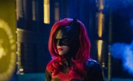 Batwoman is Amazing - Arrow Season 7 Episode 9