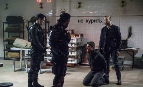 Is Oliver Screwed - Arrow Season 6 Episode 6
